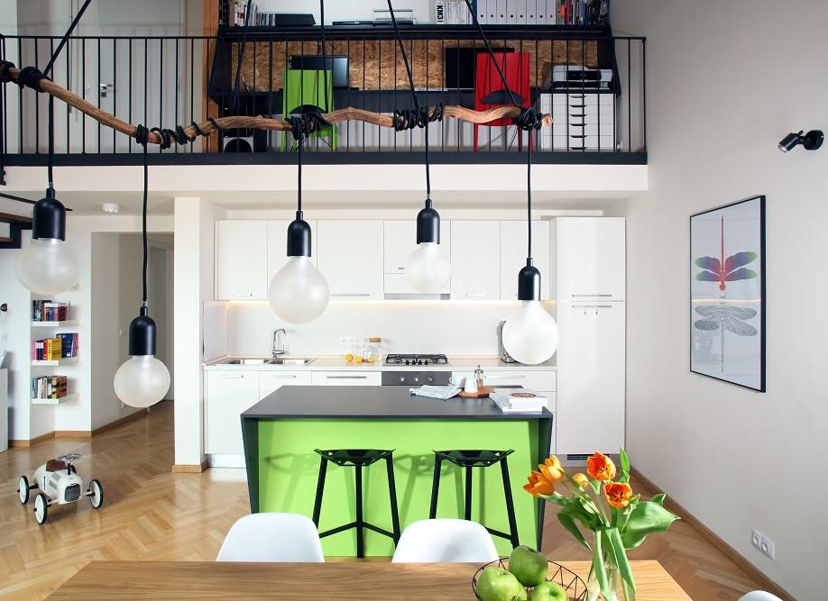 Mezonetový podkrovní byt na Letné