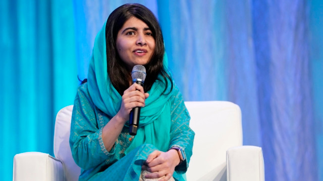 malala yousafzia speaking at an event