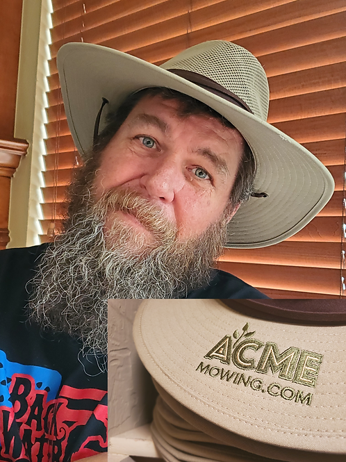 ACME Mowing Hat Large/Xtra-Large