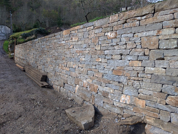 pierre-seche-mur-calcaire-ardeche