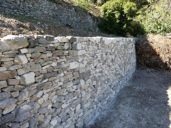 restauration-mur-pierre-seche-vans-ardeche
