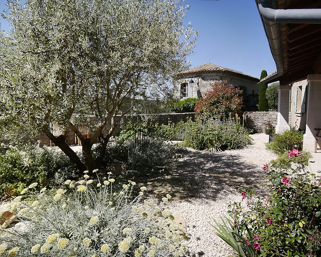 paysagiste-jardin-mediterraneen-lussan-gard
