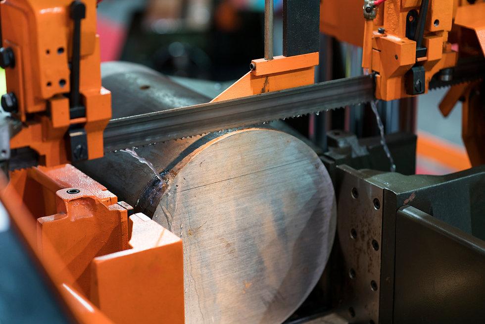 band saw cutting tool steel bar by automatic feed, high performance cutting machine, cutti