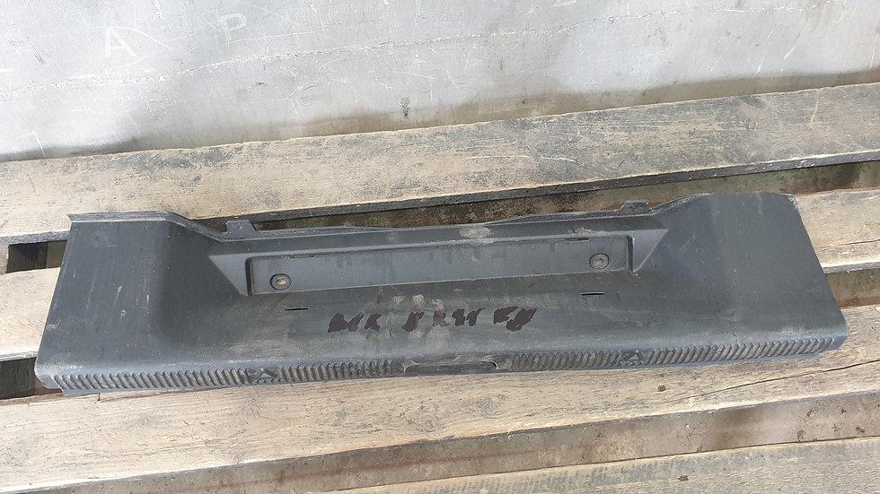 Skoda Yeti (5L) Накладка замка багажника Б/У Оригинал
