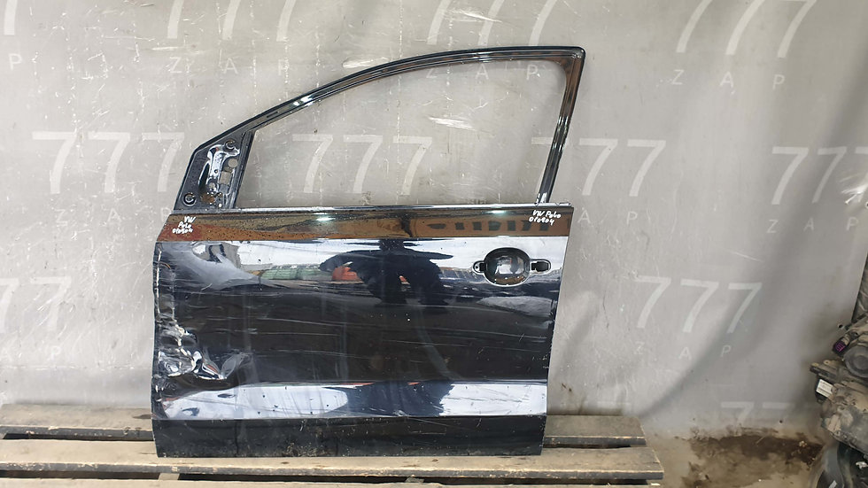 Volkswagen Polo 5 Дверь передняя левая Б/У Оригинал