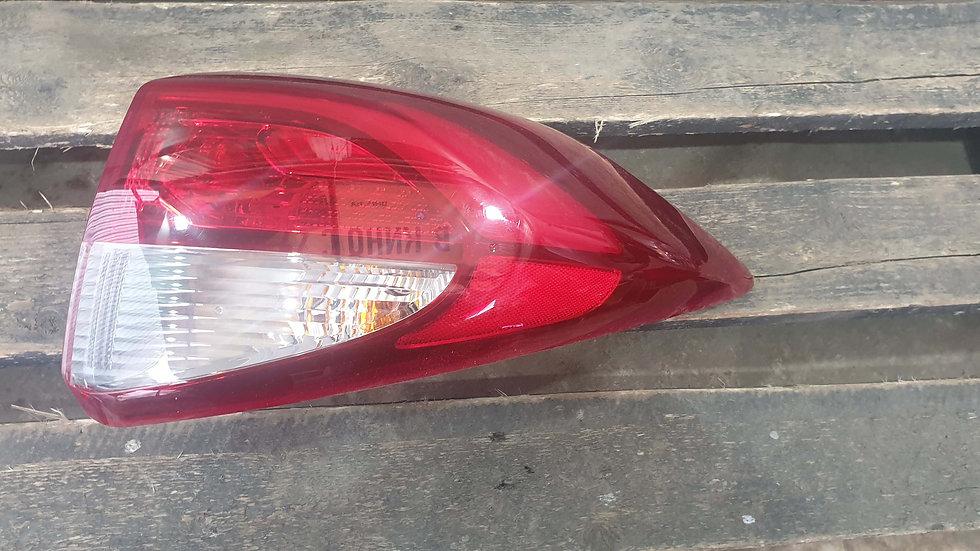Hyundai Tucson 3 15-  Фонарь задний правый LED Б/у Оригинал