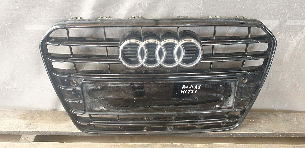 Audi A5 (8T) 11-16 Решетка радиатора Б/У Оригинал