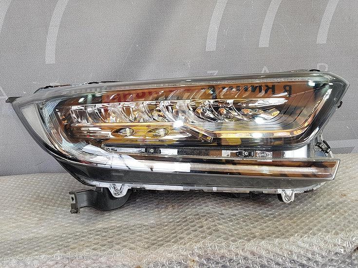 Honda CR-V 5 (RW) 16- Фара правая LED целая Б/у Оригинал