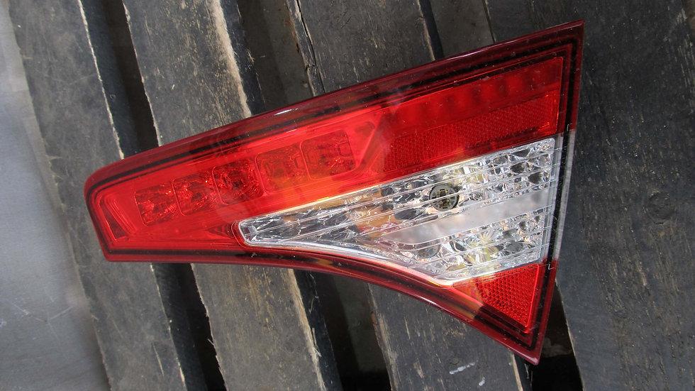 Kia Optima 3 (TF) 10-16 Фонарь задний правый внутренний Б/у Оригинал