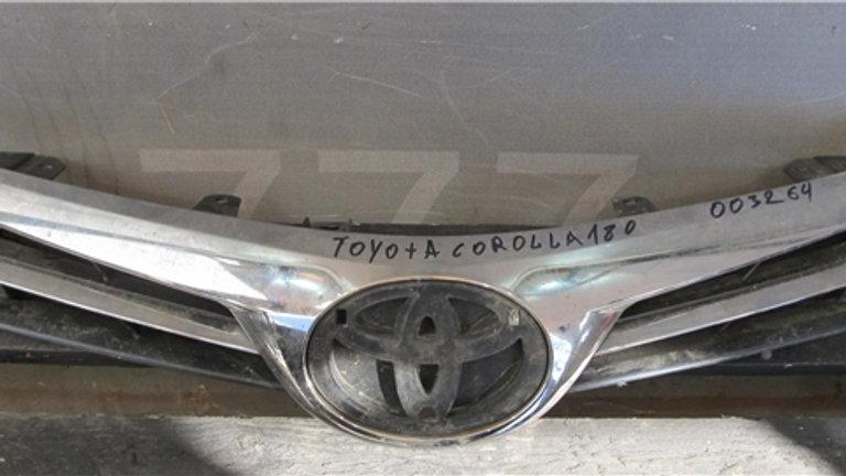 Toyota Corolla (E180) 16-19 Решетка радиатора целая Б/у Оригинал