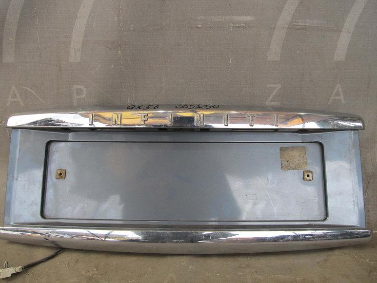 Infiniti QX56 1 (JA60) Накладка крышки багажника Б/у Оригинал