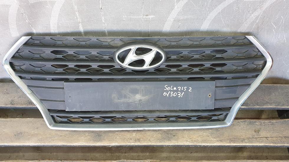 Hyundai Solaris 2 (HCR) 17- Решетка радиатора Б/У Оригинал