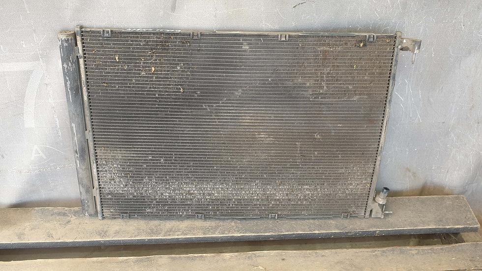 Mercedes S (W222) Радиатор кондиционера Б/У Оригинал