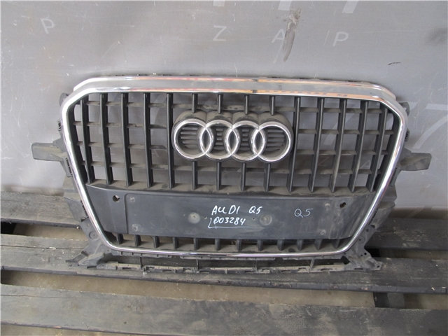 Audi Q5 1 (8R) 12-15 Решетка радиатора  Б/у Оригинал
