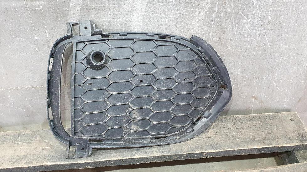 Решетка переднего бампера правая BMW X5 (F15) 13-  Б/У Оригинал