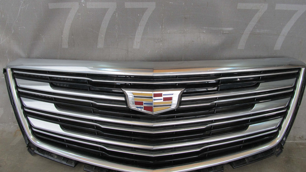 Cadillac  XT5 (16-) Решетка радиатора Б/у Оригинал