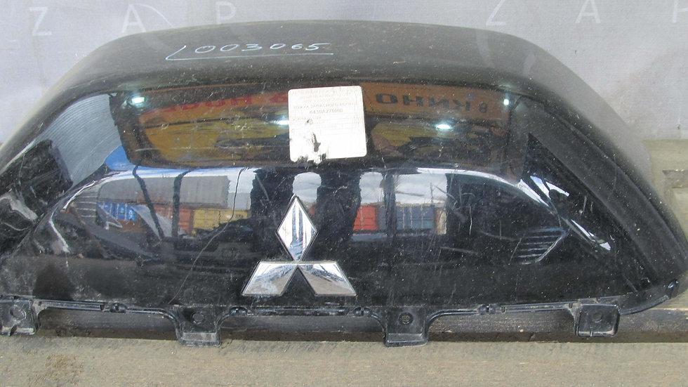 Mitsubishi Pajero  Крышка запасного колеса