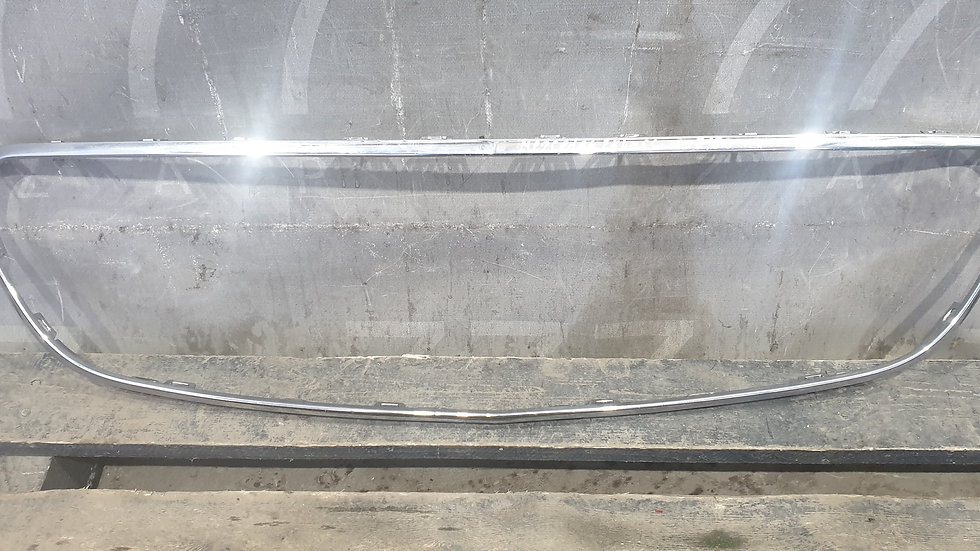 Mercedes  E (W213) Хром окантовка решетки радиатора Б/у Оригинал