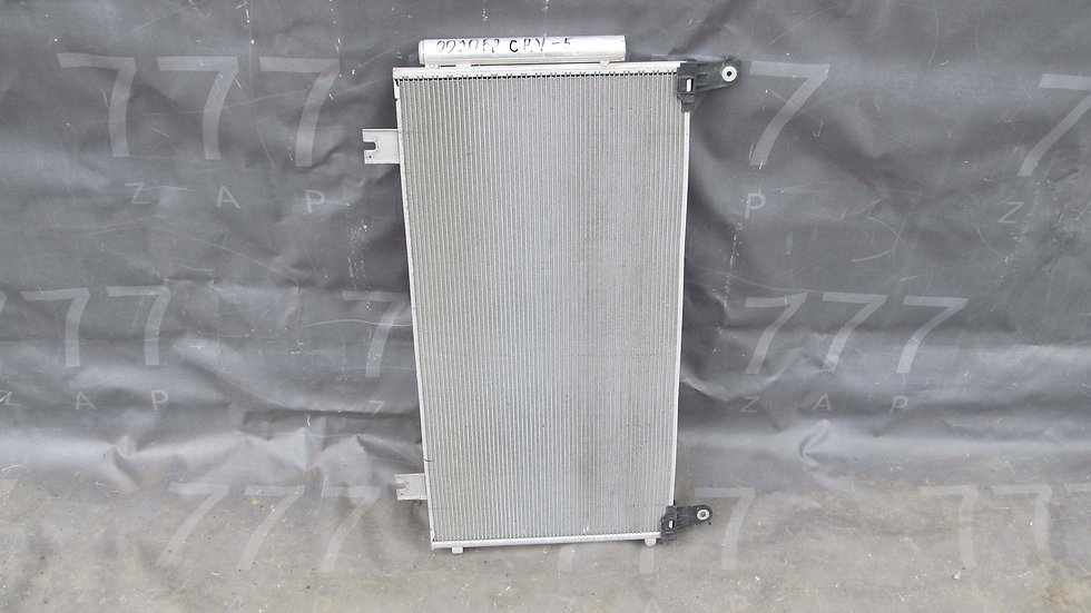 Honda CR-V 5 (RW) 16- Радиатор кондиционера Б/у Оригинал