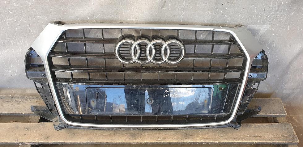 Audi Q3 1 (8U) 14-18 Решетка радиатора Б/У Оригинал