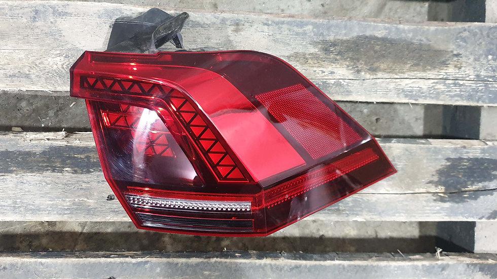 Volkswagen  Tiguan 2 (16-) Фонарь правый внешний Б/у Оригинал