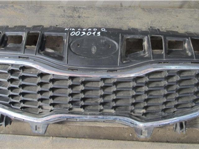 Kia Ceed 2 (JD) Решетка радиатора  Б/у Оригинал