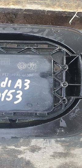 Audi A3 (8V) Лючок бензобака Б/у Оригинал