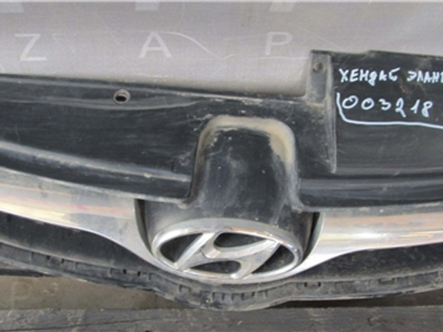 Hyundai Elantra 5 (MD) 10-16 Решетка радиатора  Б/у Оригинал
