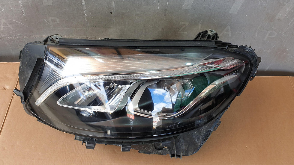 Mercedes GLC (X253) 15- Фара левая LED целая Б/У Оригинал