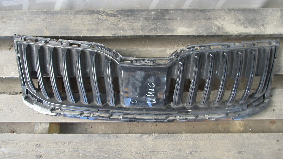 Skoda Octavia A7 Решетка радиатора