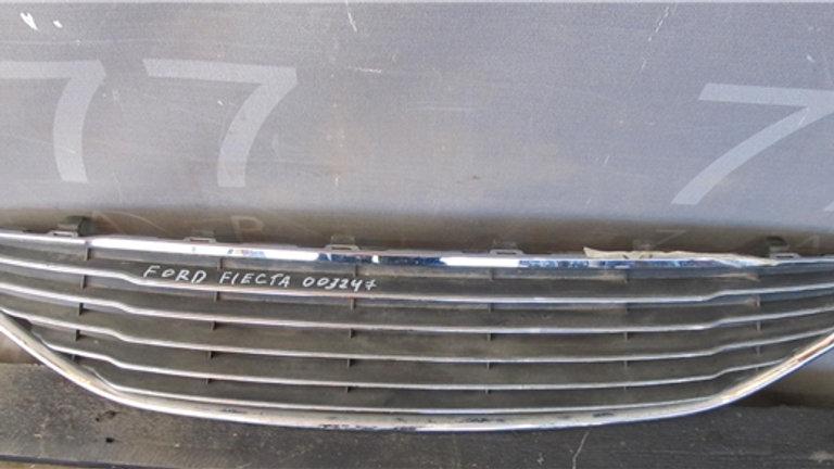 Ford Fiesta 6  Решетка бампера  Б/у Оригинал