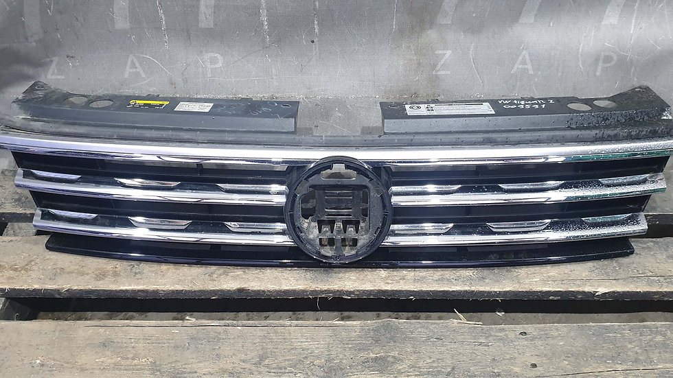 Volkswagen Tiguan 2  Решетка радиатора  Б/у Оригинал