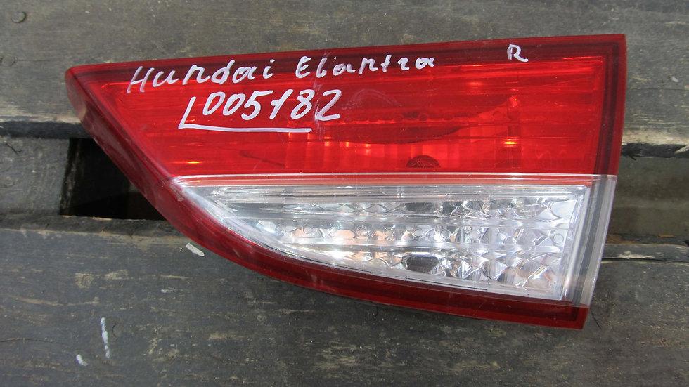 Hyundai Elantra 5 (MD) 10-14 Фонарь задний правый внутренний Б/у Оригинал