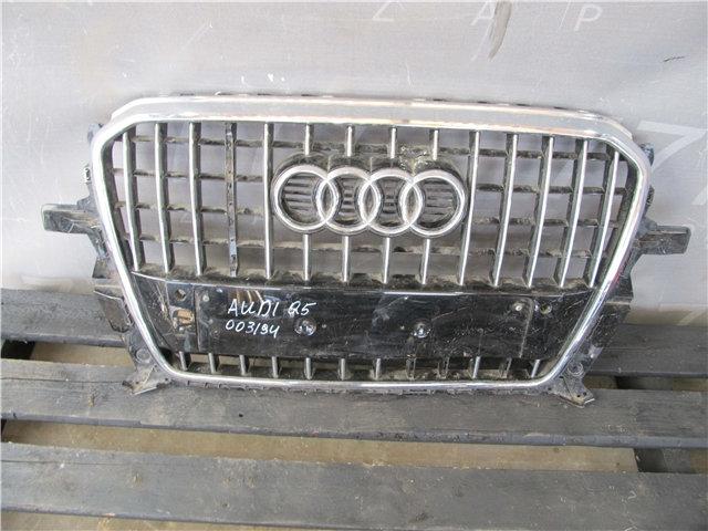 Audi Q5 1 (8R) 12-15г Решетка радиатора  Б/у Оригинал