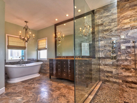 22 Stunning Shower Suites
