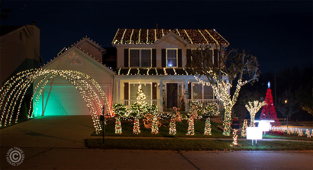Christmas lights set to music on a house in Fenton MO.