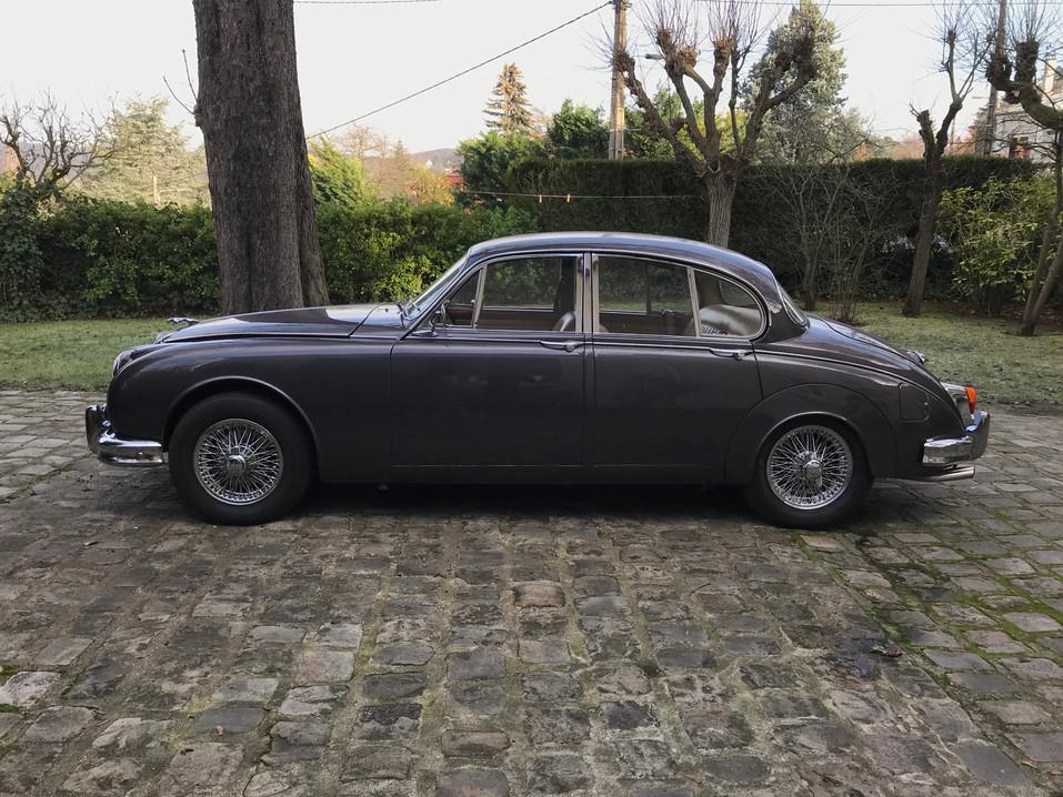 1965 Jaguar MK2 3.4L3.jpeg