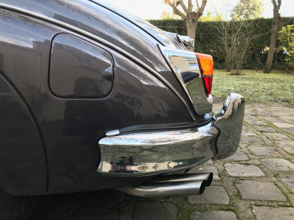 1965 Jaguar MK2 3.4L31.jpeg