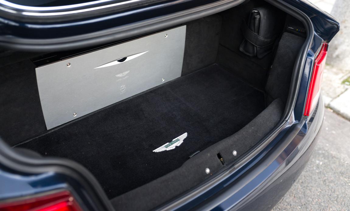 Aston Martin Vanquish S81.jpg