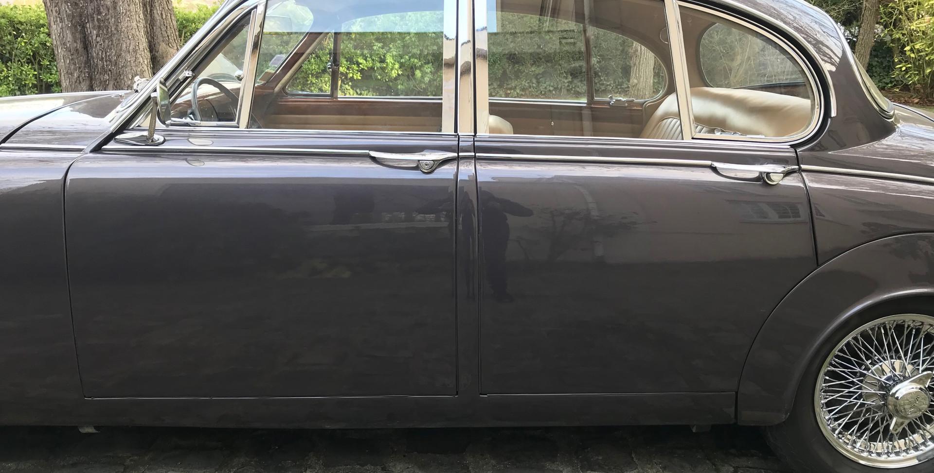 1965 Jaguar MK2 3.4L12.jpeg