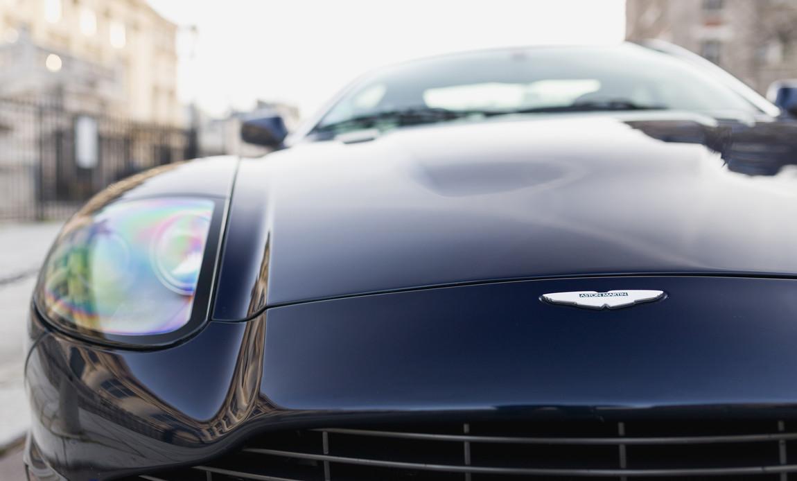 Aston Martin Vanquish S33.jpg