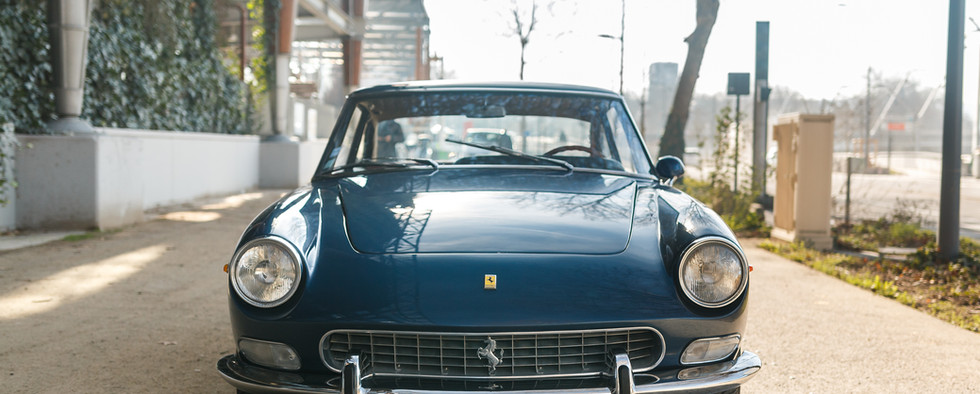 Ferrari 330 GT 196631.jpg