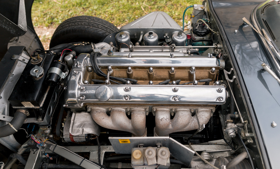 Jaguar Type E Serie I Coupe (49).jpg