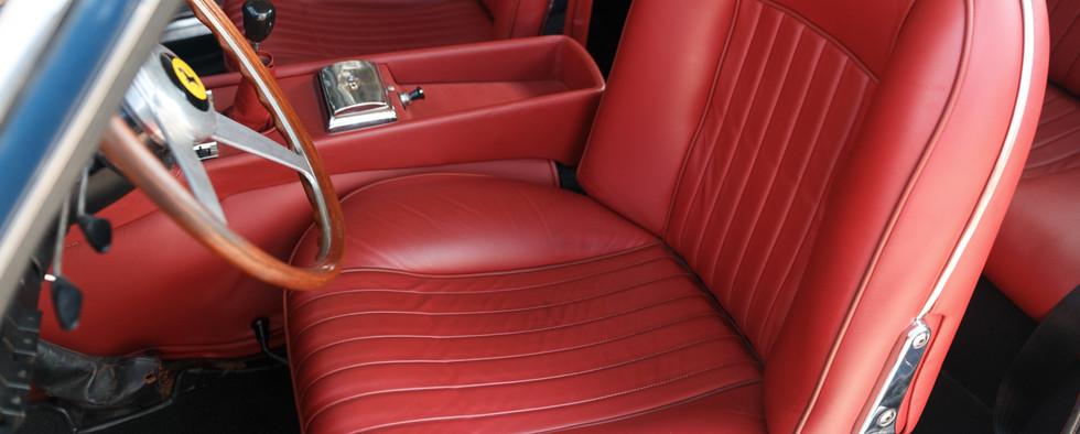 Ferrari 330 GT 196619.jpg