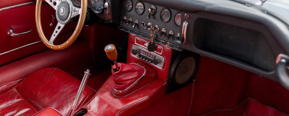 Jaguar Type E Serie I Coupe (28).jpg