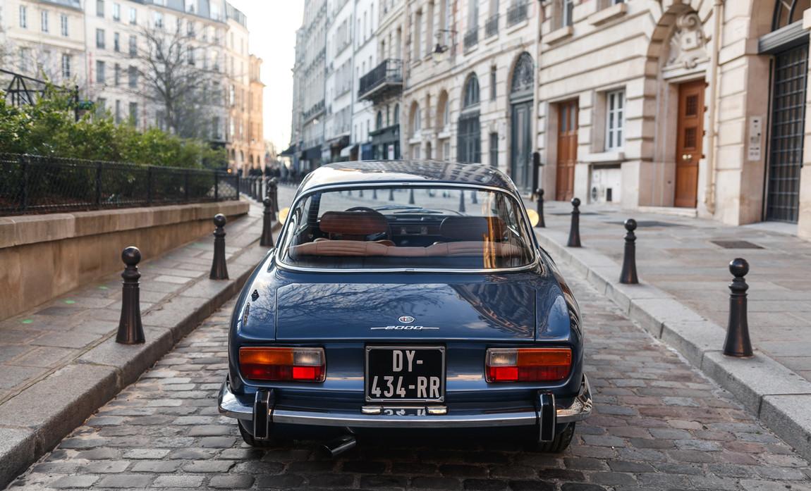 Alfa_Romeo_2000_arrière_(10).jpg