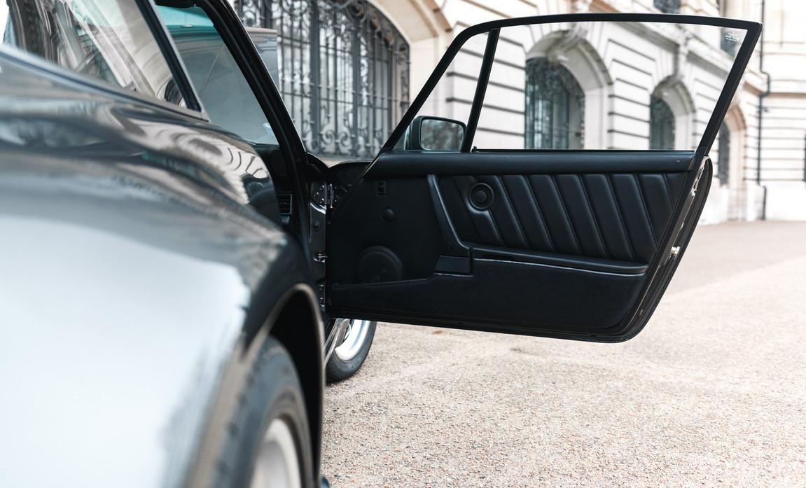 1986 Porsche 930 3.3 Turbo78.jpg