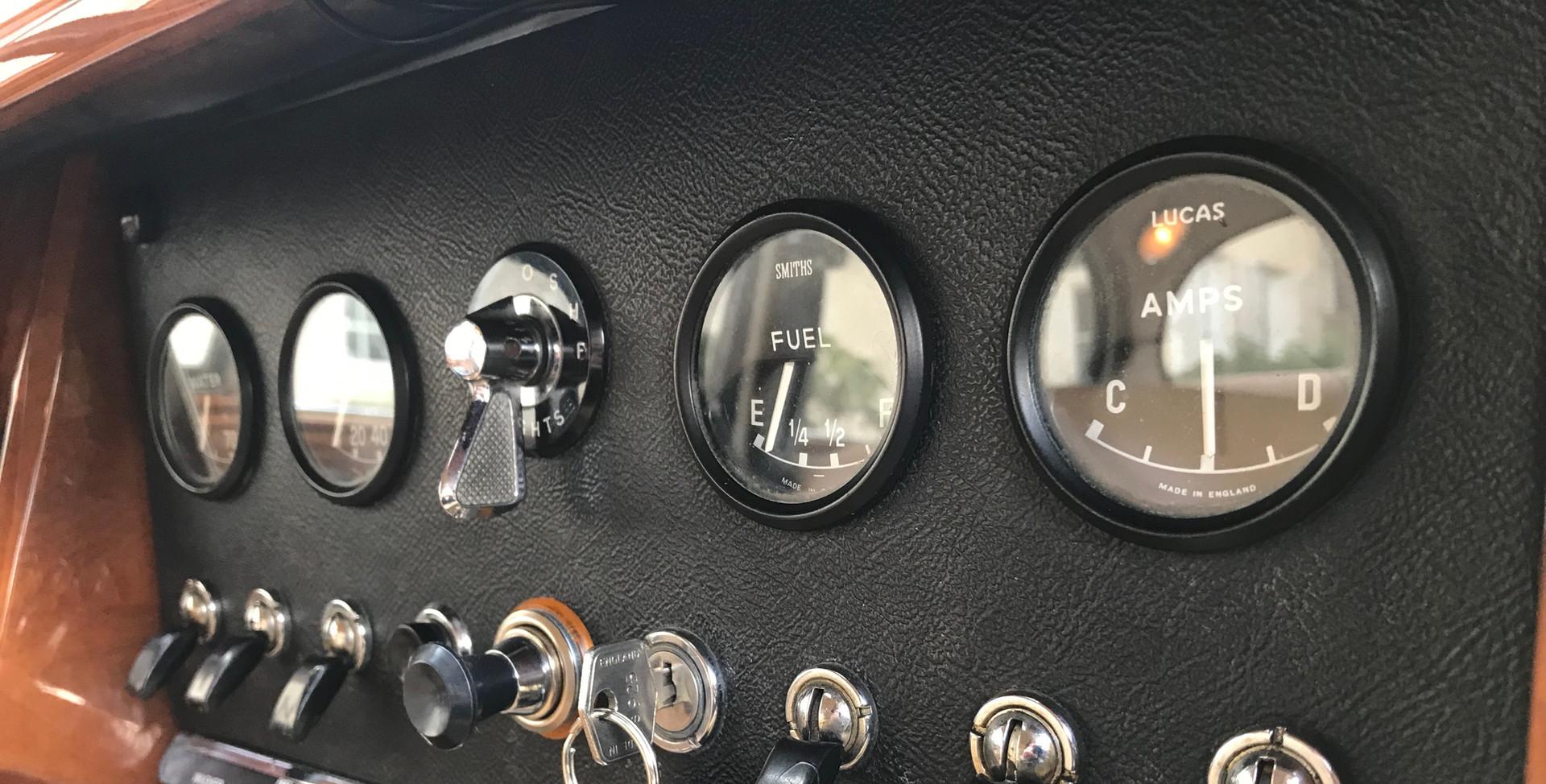 1965 Jaguar MK2 3.4L25.jpeg