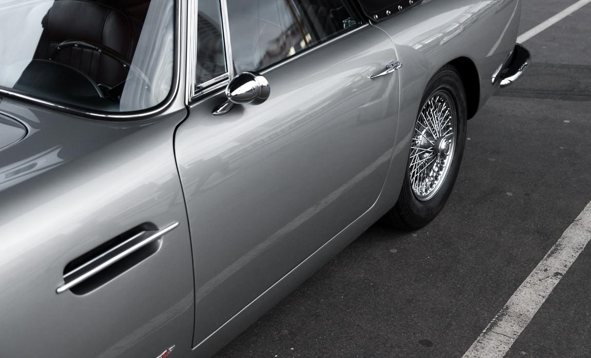 1961 Aston Martin DB4 Cabriolet 4.jpg