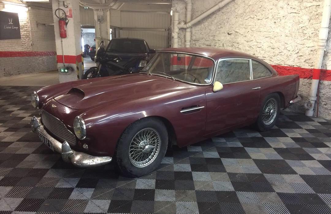 Aston Martin DB4 Serie 2 Bdx31.jpg